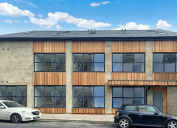 Thumbnail Block of flats to rent in Bank Parade, Burnley