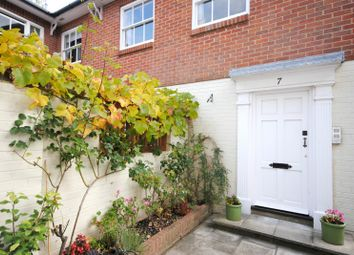 Thumbnail 1 bed flat to rent in East Row, Chichester