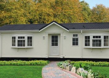 Thumbnail Mobile/park home for sale in Three Counties Park, Sledge Green, Malvern
