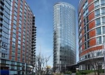 Thumbnail 1 bed flat to rent in Fairmount Avenue, Canary Wharf, London, Gb