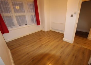 Thumbnail 1 bed flat to rent in Salisbury Road, Finsbury Park