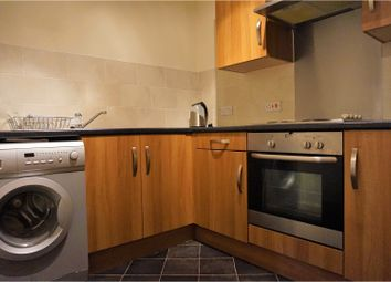 Thumbnail 2 bed flat for sale in 10 Wincolmlee, Hull