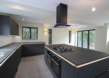 Thumbnail 6 bed detached house to rent in Crescent Road, Cowley, Oxford