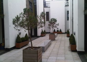 Thumbnail 3 bed mews house to rent in 1A Waterloo Terrace, Islington