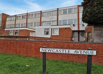 Thumbnail 3 bed town house for sale in Newcastle Avenue, Gedling, Nottingham