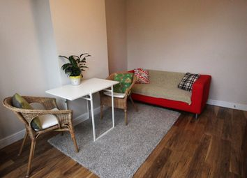 Thumbnail 2 bed flat to rent in Perth Road, Wood Green, London