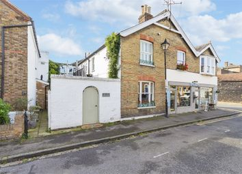 Thumbnail 1 bed cottage to rent in Grove Road, Windsor, Berkshire