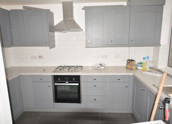 3 bed maisonette to rent in Stockwell Park Road, London SW9