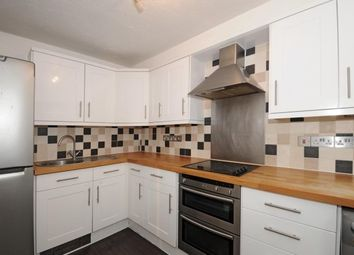1 bed property to rent in Queens Road, Weybridge KT13