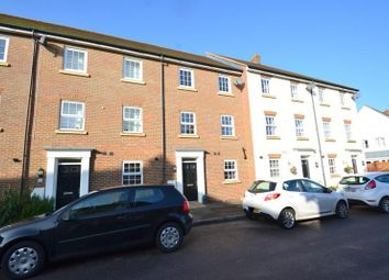 Thumbnail 5 bedroom terraced house to rent in Meadow Way, Horley