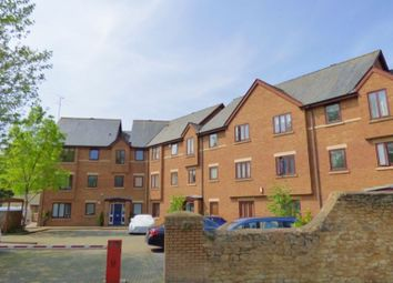 Thumbnail 3 bed flat to rent in Swan Court, Paradise Street, Oxford