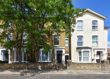 3 bed flat to rent in Wilberforce Road, Finsbury Park N4