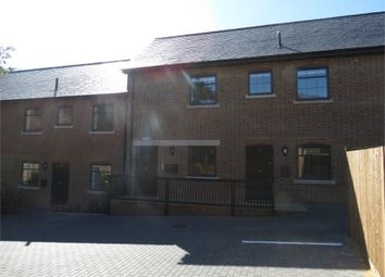 Thumbnail 2 bed flat to rent in 3 Saracens Mews, High Street, Kings Langley, Hertfordshire
