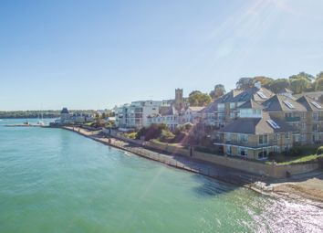 Queens Road, Cowes PO31. 2 bed flat for sale