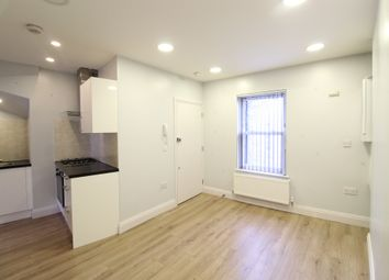 Thumbnail 1 bed flat to rent in Old Woolwich Road, London, East Greenwich