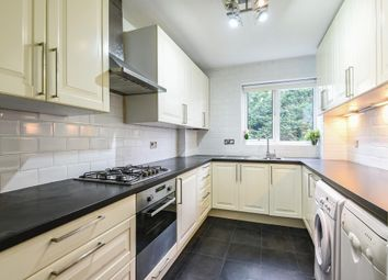 Thumbnail 2 bed flat to rent in The Avenue, Hatch End