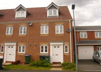 Thumbnail 3 bedroom maisonette to rent in Sannders Crescent, Tipton