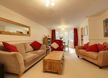 Thumbnail 2 bed flat to rent in Lower Henley Road, Caversham, Reading