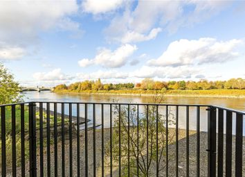 Thumbnail 3 bedroom flat for sale in Boat Race House, 63 Mortlake High Street, London
