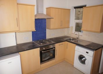 Thumbnail 2 bed flat to rent in Holloway Road, Upper Holloway, London