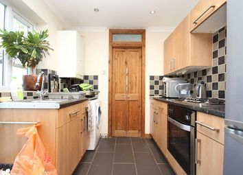 Thumbnail 1 bed flat to rent in Brentwood Road, Romford