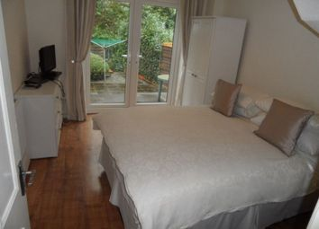 Thumbnail Room to rent in Catherine Villas, Kings Road, Haslemere