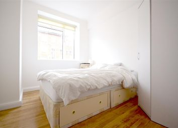 Room to rent in Eamont Street, Regents Park, London NW8