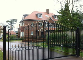 Thumbnail 1 bed flat to rent in Park Grove, Knotty Green, Beaconsfield