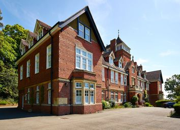 Thumbnail 1 bed flat to rent in Caxton Lane, Oxted