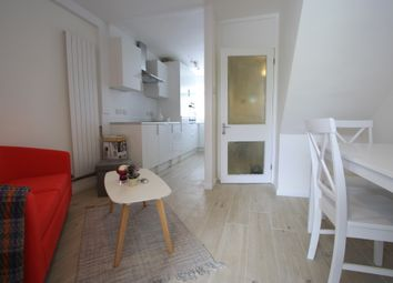 Thumbnail 3 bed flat to rent in Highcliffe Drive, Roehampton