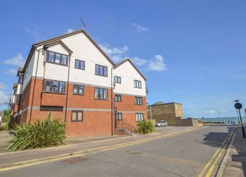 Rampart Street, Shoeburyness, Southend-On-Sea SS3. 2 bed flat