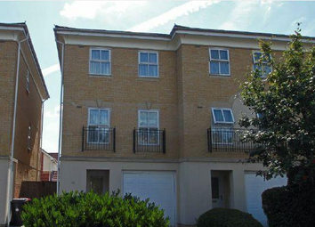 Thumbnail 3 bed town house to rent in Hurworth Avenue, Slough