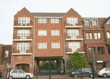 Thumbnail 1 bed flat to rent in Maple Court, 41-43 Station Road, Gerrards Cross, Buckinghamshire