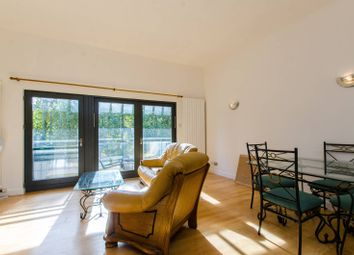 Thumbnail 2 bed flat to rent in Mile End Road, Whitechapel