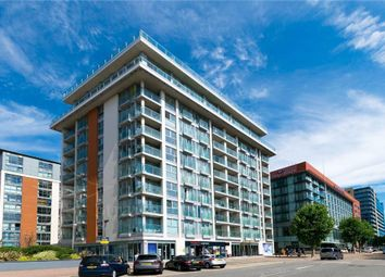 The Oxygen Building, 18 Western Gateway, Canary Wharf, London E16. 2 bed flat for sale