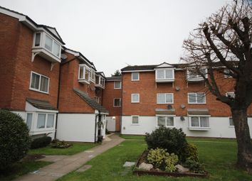 Thumbnail 1 bed flat to rent in Vignoles Road, Romford