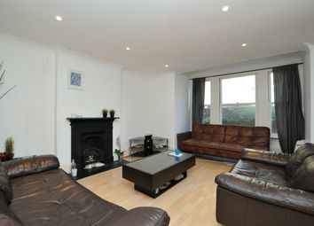 Thumbnail 3 bedroom flat to rent in Dunsmure Road, Stoke Newington