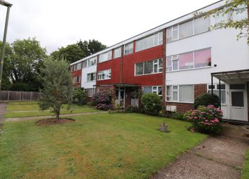 2 bed flat to rent in Rose View, Hollies Court, Addlestone KT15