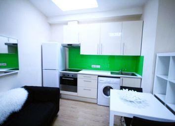 Thumbnail Studio to rent in Kilburn Lane, Maida Vale