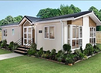 Thumbnail 2 bed detached bungalow for sale in Oaklands Residential Park, Glendale Road, Okehampton, Devon