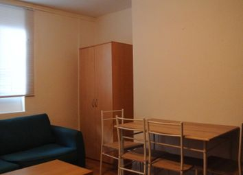 Thumbnail Room to rent in Chiswick High Street, London