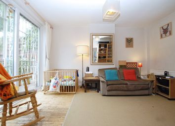4 bed flat to rent in Galsworthy Terrace, London N16