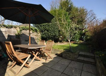 Thumbnail 2 bed flat to rent in Gladstone Road, London