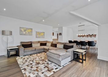 2 bed flat for sale in Bunns Lane, Mill Hill NW7