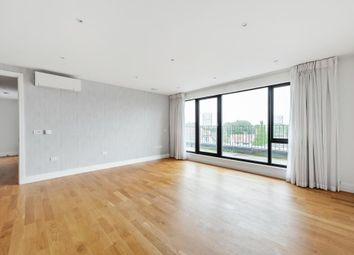 Thumbnail Flat to rent in Llanvanor Road, London