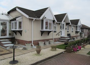 Thumbnail 2 bed mobile/park home for sale in Lairhillock Park (Ref 5828), Marton, Rugby, Warwickshire