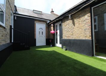 Thumbnail Studio to rent in High Street, Penge
