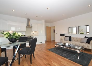 Thumbnail 3 bed flat for sale in Pitfield Street, London