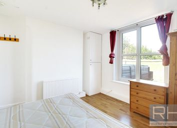 Thumbnail Studio to rent in Palace Gates Road, London