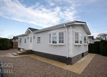 Thumbnail 2 bed property for sale in Little Meadow, Woodside Home Park, Woodside, Luton